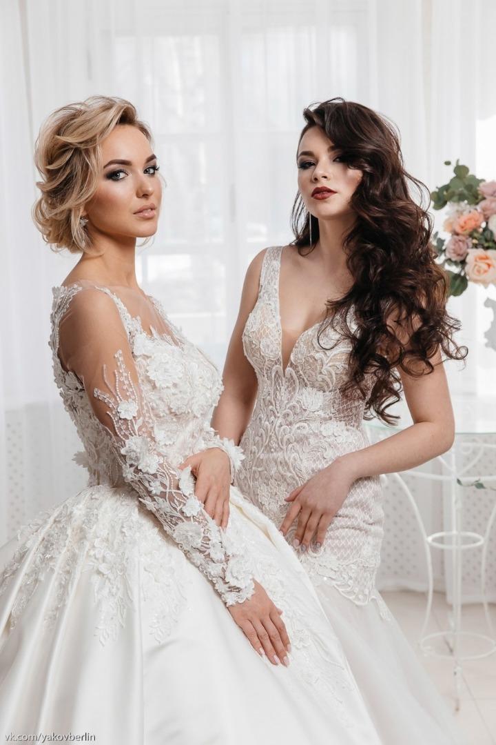 d08f100a3ff Огромное разнообразие платьев мы нашли для вас в свадебном салоне «LOVE  IS…». Там представлены вечерние и свадебные наряды исключительно из  последних модных ...